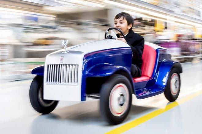 Rolls-Royce sieu nho, chay dien cho tre em hinh anh 2