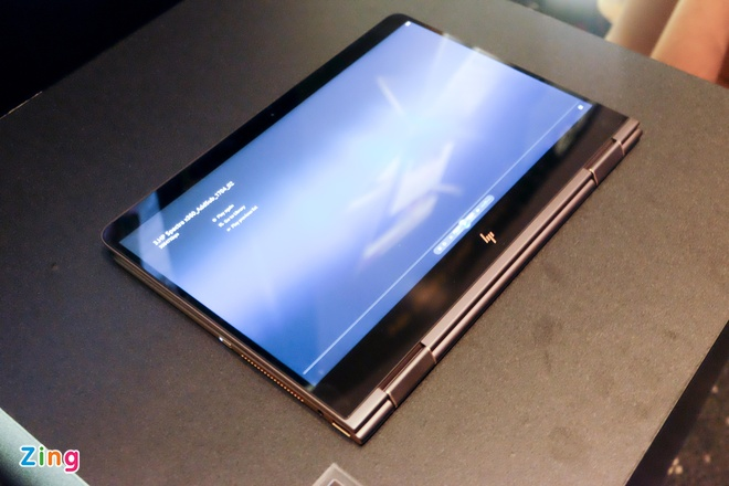 HP Spectre x360 - laptop xoay lat 360 do gia 42 trieu ve Viet Nam hinh anh 1