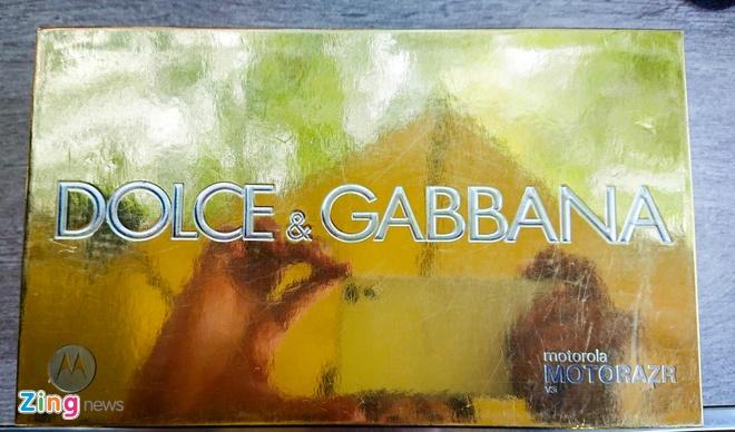 Motorola V3i phien ban Dolce & Gabbana doc la tai VN hinh anh 1