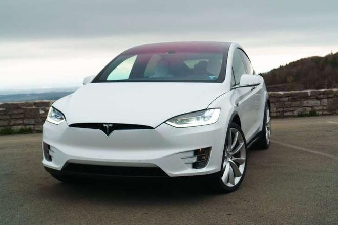 Tesla Model X duoc danh gia la SUV an toan nhat hinh anh 1