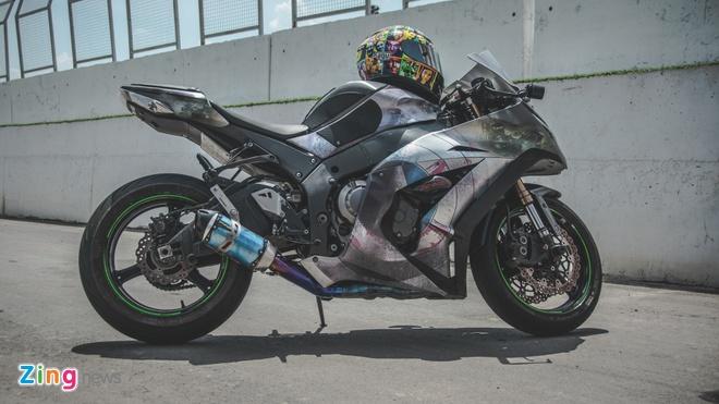Sieu moto Kawasaki phong cach Captain America o VN hinh anh 1