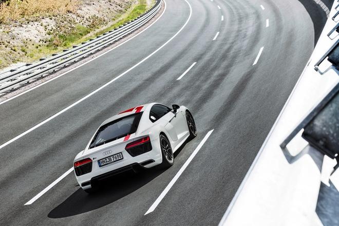 Audi ra mat phien ban dac biet R8 RWS 2018 hinh anh 4