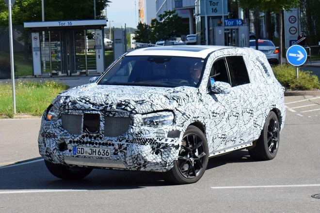 Mercedes GLS 2019 lo dien tren duong chay thu hinh anh 1