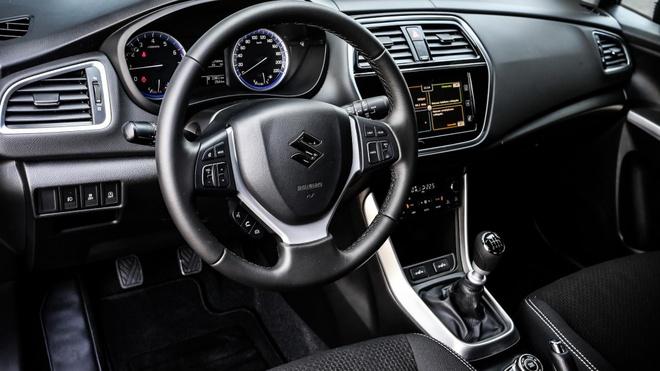 Maruti Suzuki S-Cross 2017 duoc nang cap nhieu tinh nang hinh anh 4