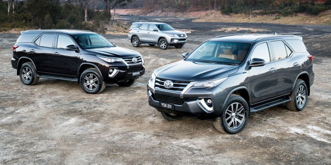 Cac phien ban Toyota Fortuner 2018 dong loat giam gia hinh anh 4