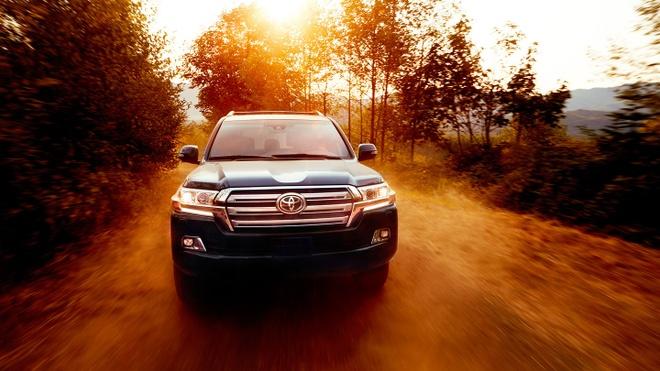 Thu nghiem va danh gia Toyota Land Cruiser 2018 hinh anh 1