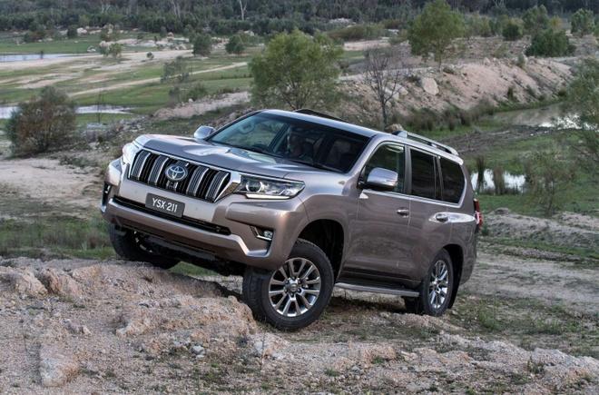 Toyota Land Cruiser Prado 2018 - gia giam, them nhieu cai tien hinh anh 1