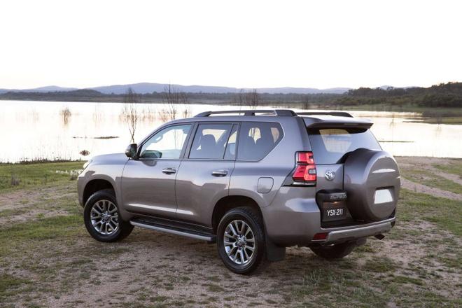 Toyota Land Cruiser Prado 2018 - gia giam, them nhieu cai tien hinh anh 4