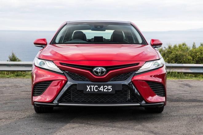 Toyota Camry 2018 ra mat tai Australia: Thiet ke manh me hon hinh anh 2