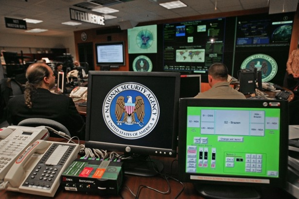 Nguoi goc Viet bi to danh cap bi mat cua NSA hinh anh