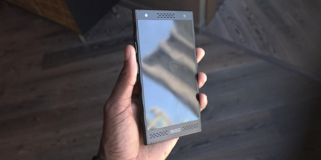 Smartphone holographic dau tien tren the gioi hinh anh 4