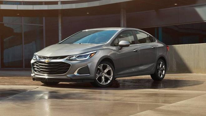 Chevrolet nang cap Malibu,  Cruze,  Spark 2019 anh 2