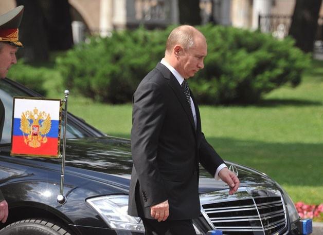 Sieu limousine moi cua ong Putin sap lan banh hinh anh 8