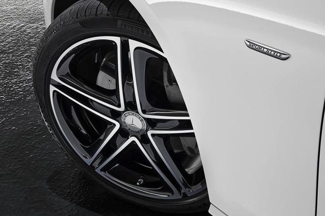 Mercedes-AMG E53 ra mat voi cong nghe lai ban tu dong hinh anh 5