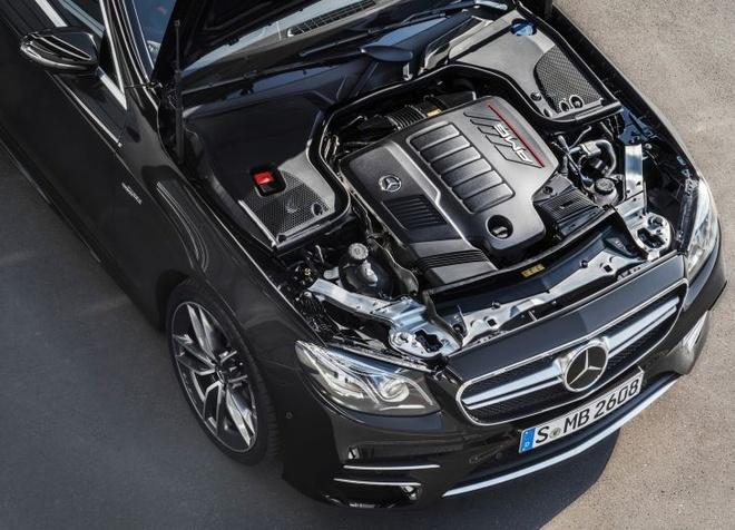 Mercedes-AMG E53 ra mat voi cong nghe lai ban tu dong hinh anh 2