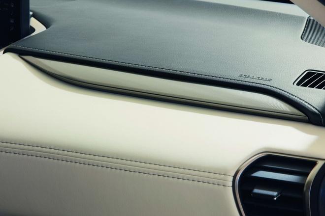 Lexus NX 300h them ban the thao, gia tu 49.000 USD hinh anh 5