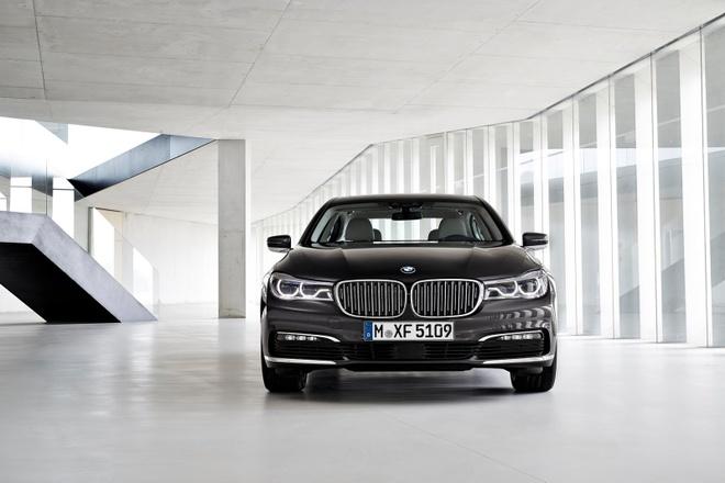 Tom Cruise sat canh cung BMW M5 trong Nhiem vu bat kha thi moi hinh anh 6