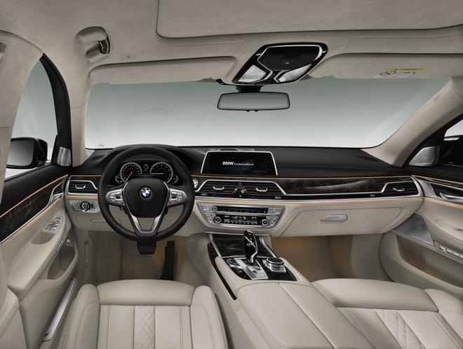 Tom Cruise sat canh cung BMW M5 trong Nhiem vu bat kha thi moi hinh anh 7