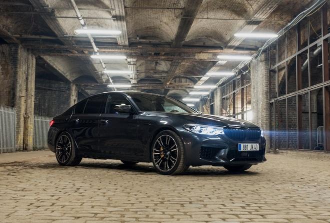 Tom Cruise sat canh cung BMW M5 trong Nhiem vu bat kha thi moi hinh anh 4