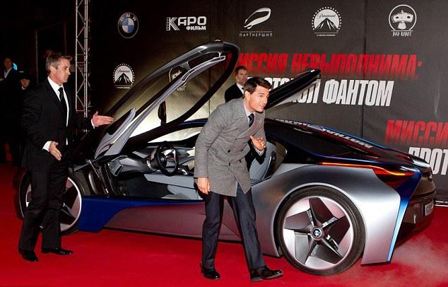 Tom Cruise sat canh cung BMW M5 trong Nhiem vu bat kha thi moi hinh anh 1