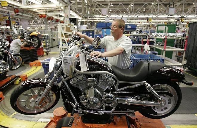 Trump de doa Harley-Davidson anh 1