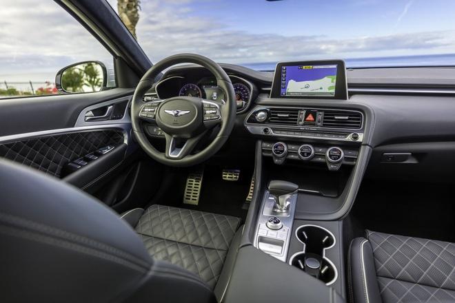 Genesis G70 2019 - sedan hang sang gia tu 32.000 cua Hyundai hinh anh 2