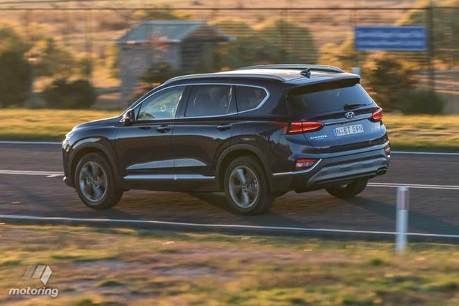 Hyundai Santa Fe danh bai Mazda CX-9? hinh anh 3