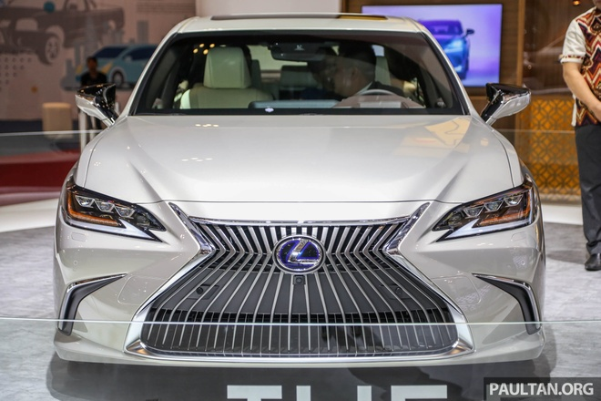 Can canh Lexus ES 2019 dau tien cap ben Dong Nam A hinh anh