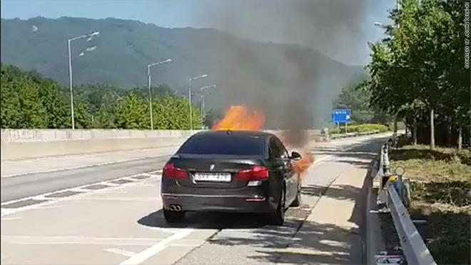 Han Quoc cam luu thong xe BMW vi be boi chay no hinh anh