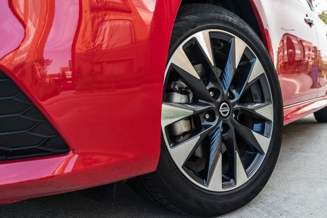 Nissan Sentra 2019 them tinh nang, gia tu 17.790 USD hinh anh 3