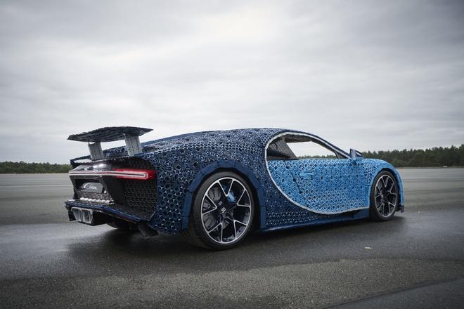 Sieu xe do choi Bugatti Chiron co the di chuyen 20 km/h hinh anh 6
