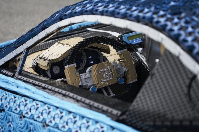 Sieu xe do choi Bugatti Chiron co the di chuyen 20 km/h hinh anh 4
