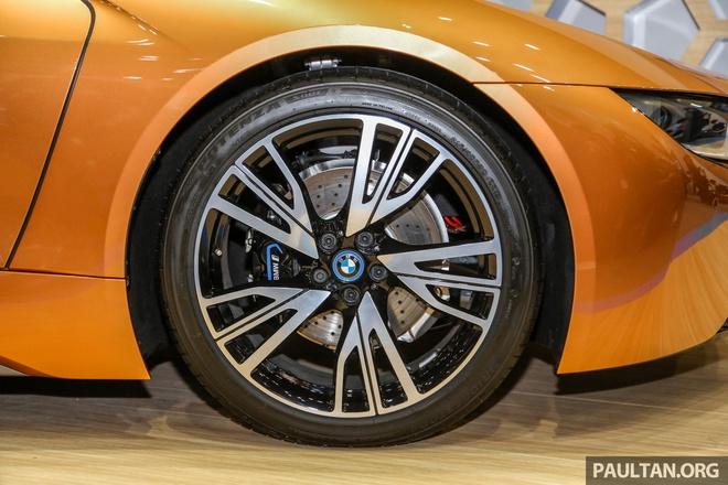 Sieu xe BMW i8 Roadster dau tien cap ben Malaysia hinh anh 4