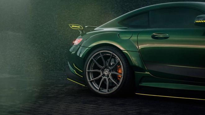 Mercedes-AMG GT than boc vinyl dac biet hinh anh 5