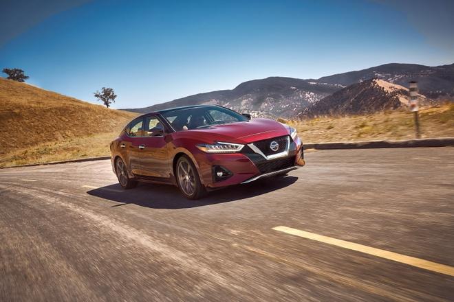 Nissan Maxima 2019 chot gia tu 33.950 USD anh 2