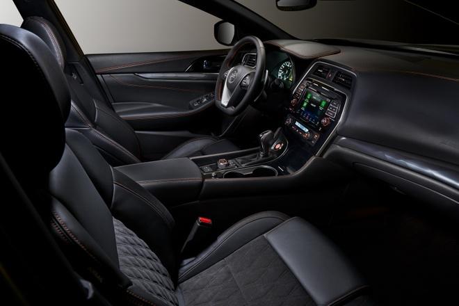 Nissan Maxima 2019 chot gia tu 33.950 USD anh 4