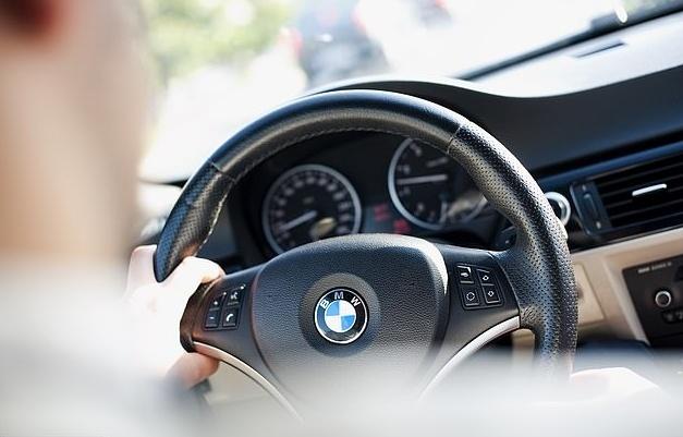 Tai xe BMW, Mercedes pham luat nhieu nhat hinh anh 3