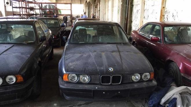 Dan xe BMW doi 1994 chua lan banh bi bo hoang anh 2