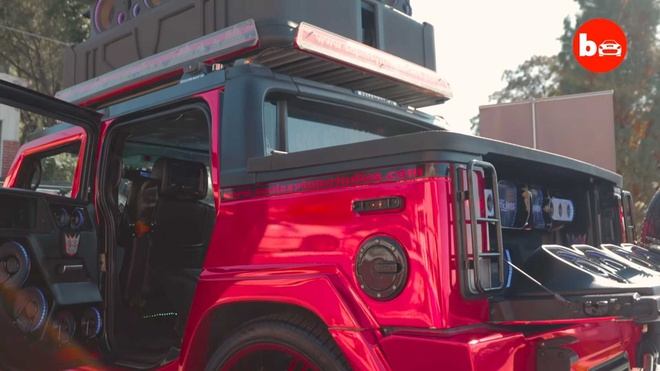 Hummer H2 do 86 loa khung, nghe nhac tu xa 5 km hinh anh