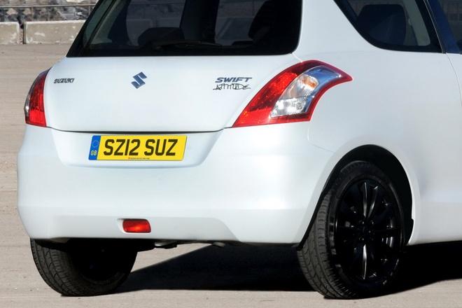 Suzuki Swift ra mat ban dac biet anh 4