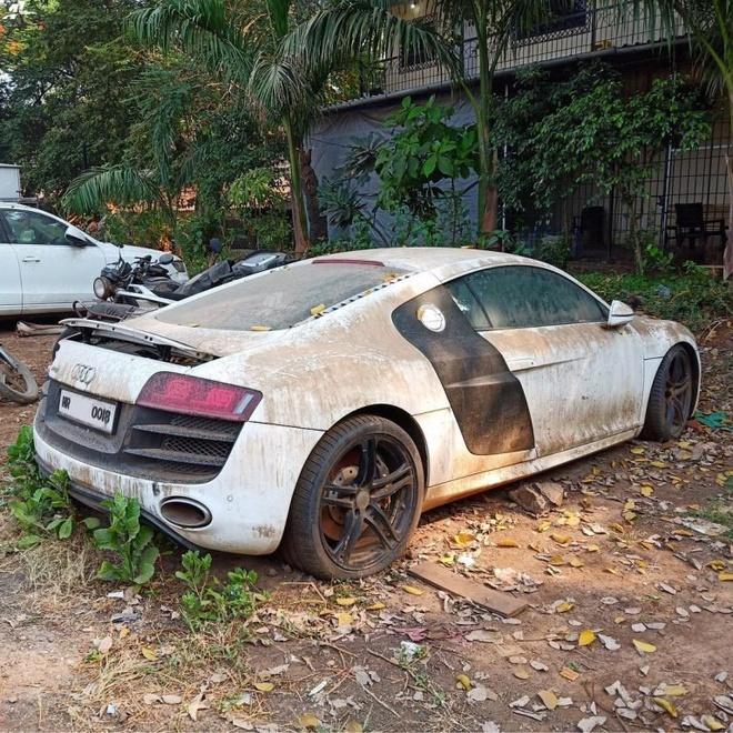 Bi bo roi, sieu xe Audi R8 thanh dong sat vun hinh anh 2