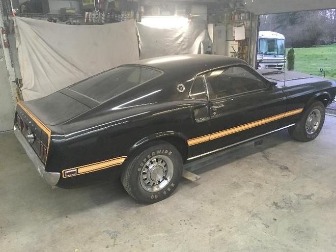 'Ngua hoang' Ford Mustang phu bui 39 nam trong garage hinh anh 2