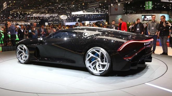Sieu xe 18 trieu USD cua Bugatti hoa ra chi la xe mo hinh! hinh anh 5