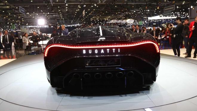 Sieu xe 18 trieu USD cua Bugatti hoa ra chi la xe mo hinh! hinh anh 4
