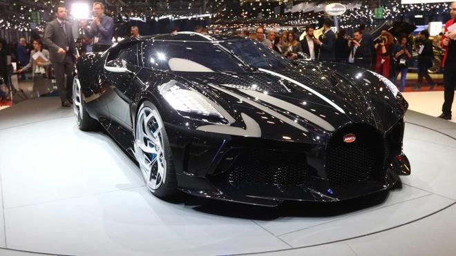 Sieu xe 18 trieu USD cua Bugatti hoa ra chi la xe mo hinh! hinh anh 2