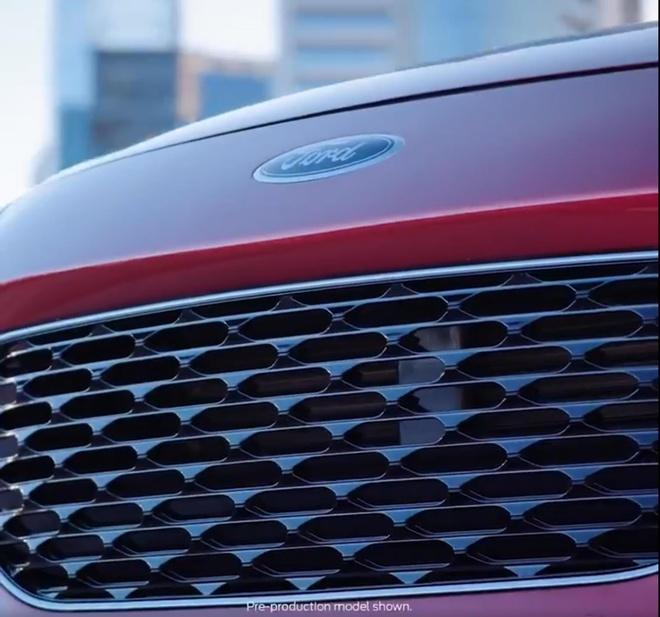 Ford Escape lo anh phien ban 2020, sap trinh lang dau thang 4 hinh anh 3