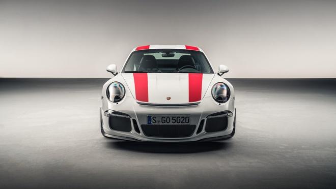 Sieu xe hang hiem bi dau co, Porsche dau dau xu ly hinh anh 6