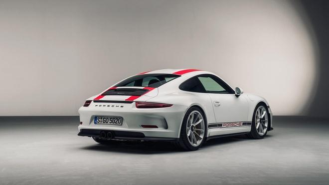 Sieu xe hang hiem bi dau co, Porsche dau dau xu ly hinh anh 2