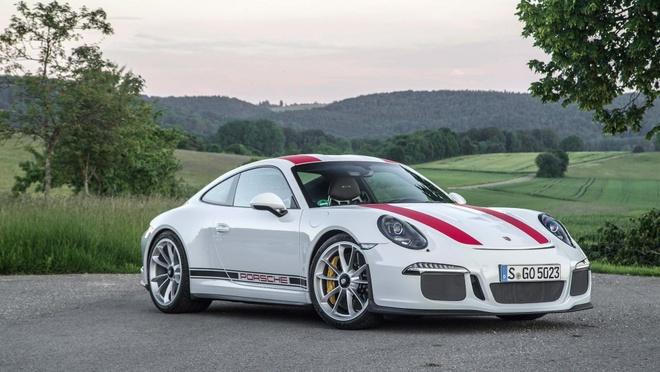 Sieu xe hang hiem bi dau co, Porsche dau dau xu ly hinh anh 3