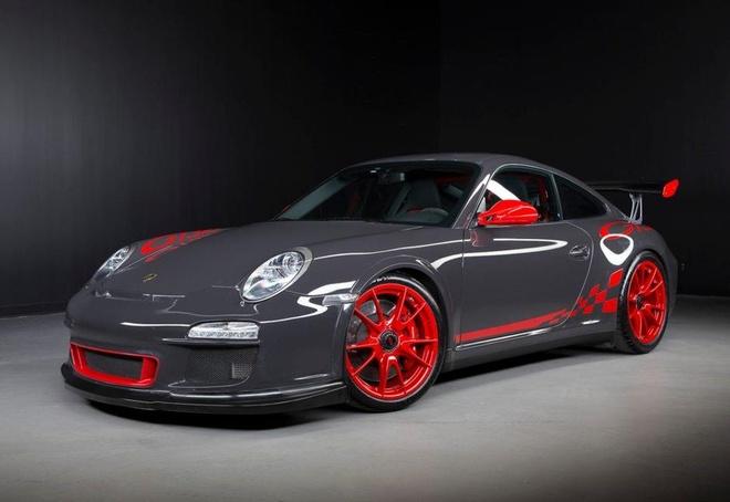 Sieu xe hang hiem bi dau co, Porsche dau dau xu ly hinh anh 7